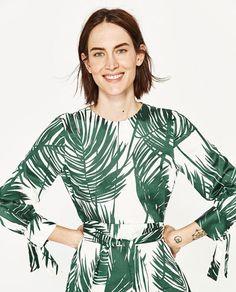 Image 2 de ROBE MI-LONGUE IMPRIMÉE de Zara