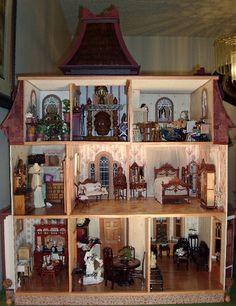 Beacon Hill Dollhouse Interior Page 1 Dollhouse Design, Dollhouse Dolls, Dollhouse Miniatures, Dollhouse Ideas, Barbie Furniture, Dollhouse Furniture, Dollhouse Interiors, Miniature Rooms, Miniature Houses