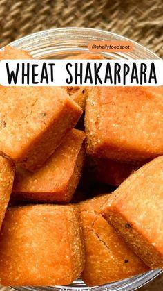 Indian Dessert Recipes, Indian Sweets, Indian Snacks, Burfi Recipe, Dry Snacks, Diwali Food, Snap Food, Vegetarian Appetizers, Food Facts