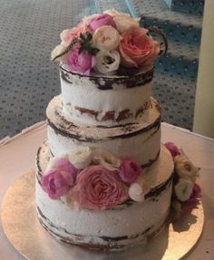 #wedding #weddingcake #cake #floral #flowers #pink #white #chocolate #mudcake #vanilla #married #marriage #tiered #nature #natural #nakedcake #nakediced #layer #party #justmarried #congratulations #celebrate #celebrations