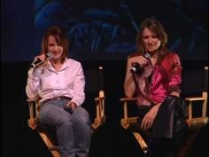 Lucy and Renee in Pasadena 2003 (4/5)    © Creation Entertainment