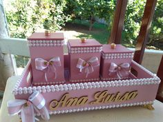 Kit higiene contato no WhatsApp 19-997302972tratar com Glaucia Lopes Kit Bebe, Baby Kit, Gift Packaging, Toy Chest, Wedding Gifts, Decoupage, Art Pieces, Home Decor, Picture Frame Art