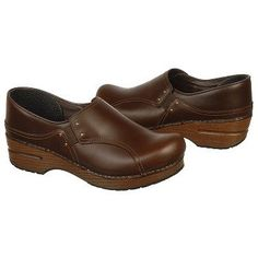 Women's Dansko Phoebe Brown Pull-Up Shoes.com