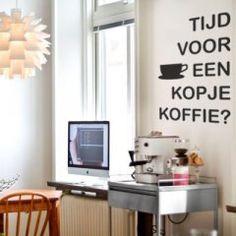 Tekststicker #Koffietijd..koffie ontbijt moment in de keuken..
