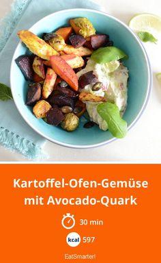 Kartoffel-Ofen-Gemüse mit Avocado-Quark - smarter - Kalorien: 597 kcal - Zeit: 30 Min. | eatsmarter.de Eat Smarter, Avocado, Food And Drink, Healthy Eating, Low Carb, Beef, Cauliflower Potatoes, Vegetarian Recipes, Beetroot