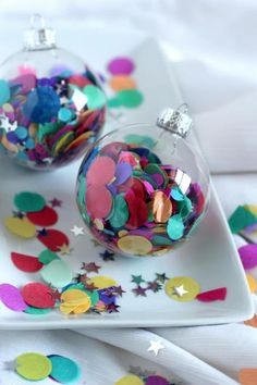10 Festive Ways to Decorate a Clear Glass Ornament