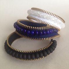 Urban Zipper and Bead Bracelet Zipper Bracelet, Zipper Jewelry, Beaded Cuff Bracelet, Fabric Jewelry, Diy Denim Bracelets, Fashion Bracelets, Jewelry Crafts, Handmade Jewelry, Zipper Crafts
