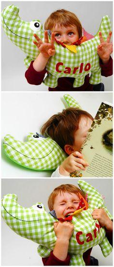 Geschenkidee für Kinder: Individualisierbares Namenskissen / gift idea for children: customisable cushion with name made by Josefines Kinder via DaWanda.com