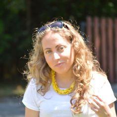 Nuevo look en Amarillo www.ideassoneventos.com #ideassoneventos #imagenpersonal #imagen #moda #ropa #looks #vestir #fashion #outfit #ootd #style #tendencias #fashionblogger #personalshopper #blogger #me #streetstyle #postdeldía #blogsdemoda #instafashion #instastyle #instalife #instagood #instamoments #job #myjob #currentlywearing #clothes #casuallook #yellowskirt