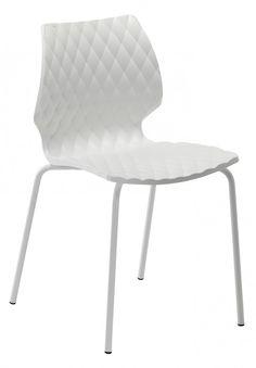 Sedie made in Italy design di Francesco Geraci, con telaio in acciaio a 4 gambe. Sedile e schienale in polipropilene.