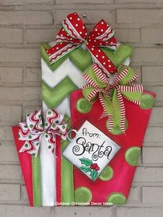 21 Christmas Porch Decoration Ideas - Best of DIY Ideas Grinch Christmas, Christmas Porch, Outdoor Christmas Decorations, Christmas Signs, Christmas Wreaths, Christmas Ornaments, Christmas Door Hangers, Fall Wooden Door Hangers, Yard Decorations