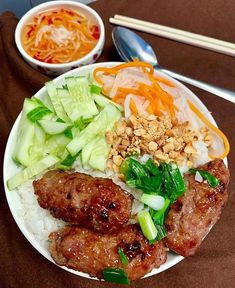 Our is the perfect addition to your next rice bowl! Grab your today from ! Link in bio. Credit to Cơm Thịt nướng for breakfast today! Sriracha Sauce, Spicy Sauce, Hot Sauce, Vietnamese Soup, Healthy Sauces, Asian Snacks, Asian Soup, Asian Recipes, Ethnic Recipes
