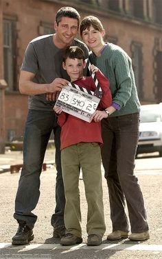 Gerard Butler, Emily Mortimer and Jack McElhone on the set of Dear Frankie, filmed in Glasgow Scotland (2004), close to Gerry's home town of Paisley.