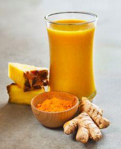 Picture of the Zanzibar Shake with fresh ginger and tumeric next to glass