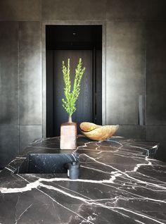 Kitchen by Studio Goetz #kitchendesign #marble #kitchenisland #interiordesignideas