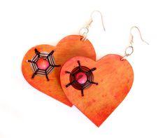 Light red totumo gourd earrings. http://macondoartisans.com/shop/earrings/369-2/