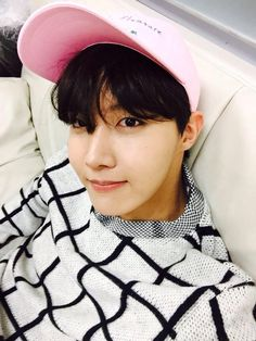 pink is a good color for j-hope ^^