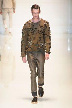 Aposte nos suéteres! Gucci S/S 2014.