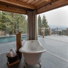 Infinity Pool, Bathtub, Bathroom, Open Fireplace, Forest House, Freestanding Tub, Luxury, Bathing, Tips
