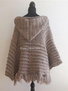 PATR0969 Xyra Crochet-pattern Poncho with hood por XyraCreaties