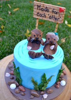 Adorable wedding cakes with otters Pretty Cakes, Beautiful Cakes, Amazing Cakes, Cupcakes, Cupcake Cakes, Naked Cakes, Animal Cakes, Themed Wedding Cakes, Festa Party