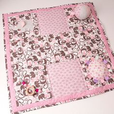 Very excited to be offering custom baby activity blankets. These can be customized to whatever color/theme/elements you desire! Many of the elements are removable for easy washing and can even be used on their own. Contact me today! Baby Activity Gym, Activity Mat, Baby Play, Infant Activities, Nursery Themes, Color Themes, Baby Quilts, Entertaining, Dementia