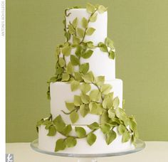 green vine wedding cake #weddingcake #wedding