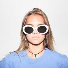 90s Deadstock White Cobain Oval Sunglasses