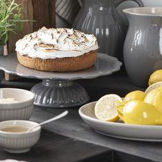 Mynte Granite Tortenplatte, 29cm Pudding, Desserts, Food, Chest Freezer, Bakeware, Granite Counters, Make Your Own, Food Food, Tailgate Desserts