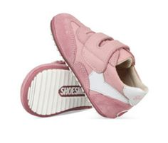 Things to know when buying your toddler's first walking shoes. Leuke blog over Shoesme BABY-PROOF® Smart eerste stapschoentjes op dearmama.nl