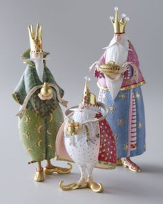 Patience Brewster Nativity Set I love her ornaments and displays. Christmas Nativity Set, A Christmas Story, Christmas Art, All Things Christmas, Christmas Holidays, Christmas Decorations, Christmas Ornaments, Nativity Sets, Xmas