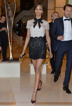 Zoa Saldana, égérie L'Oréal Paris, en total look Valentino de la pré-collection automne-hiver 2014-2015