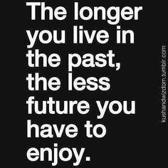 New quotes funny life lessons thoughts ideas Positive Quotes For Life Happiness, Life Quotes Love, Funny Quotes About Life, Quotes About Moving On, Quotes To Live By, Funny Sayings, Quotes Positive, Quotes About Lying, Funny Life