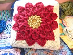 Ravelry: Project Gallery for The Crocodile Flower pattern by Joyce Lewis ~ free pattern + color inspiration ᛡ