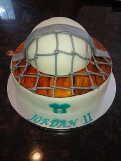 volleyball cake - Inspired by others I have seen on cake central