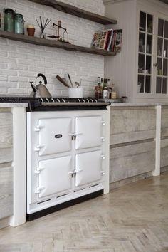 Una cocina de espíritu escandinavo en una casa victoriana http://etxekodeco.blogspot.com.es/2014/08/una-cocina-de-espiritu-escandinavo-en.html