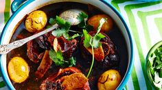 Pork knuckle and ginger stew recipe : SBS Food