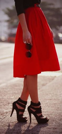 love this #red midi skirt http://rstyle.me/n/hrppvr9te