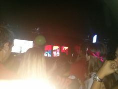 one direction show