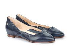 2b2f881cd58 Descubre nuestra selección de zapatos de hombre en piel en Pikolinos.  ¡Envío y devolución