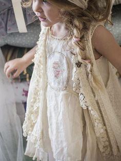 f46132dbe77 Κορίτσι - Galaz.gr   Προσκλητήρια, Μπομπονιέρες, Διακόσμηση Γάμου & Βάπτισης    Λαμπάδες, Στέφανα, Δισκοπότηρα Γάμου   Ρούχα, Σετ Βάπτισης για Αγόρι και  ...
