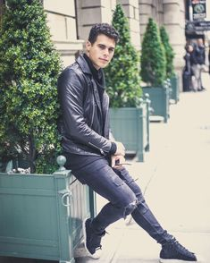 """Read Maraton from the story """"Volverte a Oír"""" ~Wattys by (Dania V. Sam Smith, Zachary Smith, Puerto Rican Men, Porto Rico, I Love You All, Guy Names, Boy Bands, Cool Pictures, Leather Pants"""