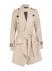 Young coat Stone/Beige -Anna Scott.    Classic with modern lines