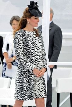Duchess of Cambridge, Kate middleton, maternity wear, pregnancy, dresses, high street, designer, coats