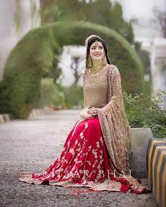 Vinitbasoya6 Pakistani Bridal Makeup, Bridal Mehndi Dresses, Asian Wedding Dress, Pakistani Wedding Outfits, Bridal Dress Design, Pakistani Wedding Dresses, Bridal Outfits, Bridal Lehenga, Bridal Style