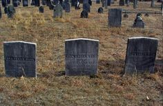 10 Eerie Ghost Stories From New England Graveyards - Listverse Paranormal Stories, Scary Stories, Ghost Stories, Scary Places, Haunted Places, Haunted Houses, Creepy Things, Creepy Stuff, Haunted America