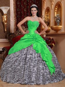 Famous Green Sweetheart Taffeta and Zebra Quinceanera Dress with Beading