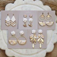 Handmade Polymer Clay, Polymer Clay Jewelry, Resin Jewelry, Bridesmaid Earrings, Wedding Earrings, Diy Clay Earrings, Earrings Handmade, Gold Marble, Statement Earrings