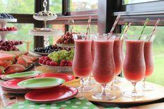 Raikas hedelmäbuffet juhliin! #hedelmäbuffet #hedelmäbaari #berries