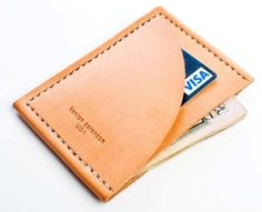 Craftsman Kenton Sorenson recently released a collection of leather accessories called 'Modern Man'. Consisting of a cardholder, iPhone wallet and passport wallet, all pieces are made of vegetable tanned leather and complement a golfer's wardrobe. Modern Wallet, Simple Wallet, Minimal Wallet, Slim Wallet, Handmade Leather Wallet, Leather Gifts, Leather Bags, Leather Front Pocket Wallet, Leather Projects